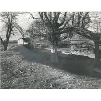 1960 Press Photo Dutch-type dike guards Cherokee Estate from flood in Alabama