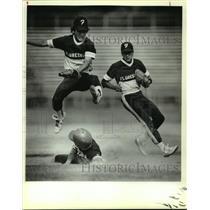 1985 Press Photo Floresville and Smithson Valley play high school baseball