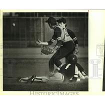 1984 Press Photo Harlandale and Marshall play high school baseball - sas10743