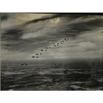 1930 Press Photo Squadron of army planes flies over the Pacific Coast