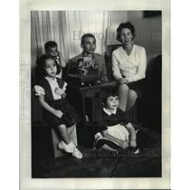 1964 Press Photo Sidney Glaser former serviceman stationed in Saigon at home