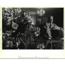 1994 Press Photo Kiro Gligory, president of Macedonia, in Sheraton Hotel suite