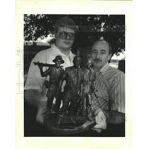 1988 Press Photo Model builder Jacob Groby & Vietnam Veteran Hilton Preau