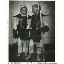 1986 Press Photo Students dressed in martial arts gear at Hayashi Sports Clinic