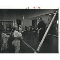 1986 Press Photo Kendo young students at Hayashi Sports Clinic - nob28144