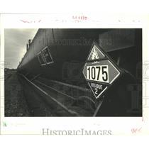 1987 Press Photo Hazardous materials - A railroad petroleum tank car in Arabi