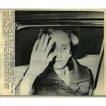 1975 Press Photo Dona Carmen Franco, wife of Gen. Franco, waves to crowds