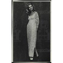 1957 Press Photo Miss Kelly Smith, newspaper woman, United States. - mjc13984