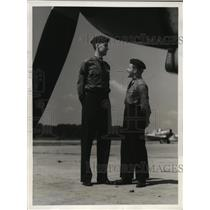 1941 Press Photo Flying Cadet S.Bernard Sayre and Robert Long at Maxwell Field