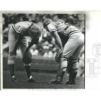 1982 Press Photo Reds Relief Pitcher Hit By Ground Ball - RRQ50221