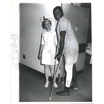 1971 Press Photo New York Knick Willis Reed Knee Injury - RRQ51287