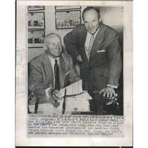 1957 Press Photo Billy Reay - RRQ11545