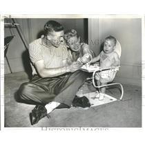 1958 Press Photo Landis White Sox Outfielder Family - RRQ16799