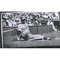 1959 Press Photo Charlie Neal Los Angeles Dodgers - RRQ16041