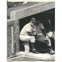 1964 Press Photo Bob Kennedy Cubs Game - RRQ57515