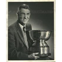 1965 Press Photo Ky Ebright Holds Rowing Championship - RRQ63929