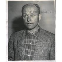 1965 Press Photo Karl Stingl Collegiate Skiers - RRQ67167