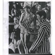 1967 Press Photo Catie Ball Ute Frommater Bremen German - RRQ56903