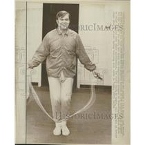 1973 Press Photo Gary Nolan skips rope to help arm - RRQ52867