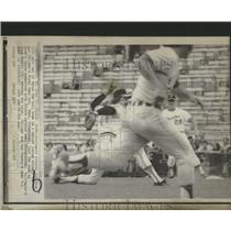 1974 Press Photo Pitcher gets set to throw ball home - RRQ14899