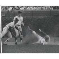 1974 Press Photo John Thornton Chicago Cubs Pitcher - RRQ41091