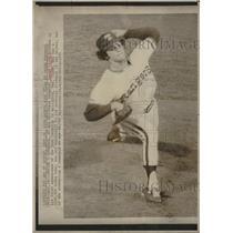1975 Press Photo Texas Rangers David Clyde Pitching - RRQ35701