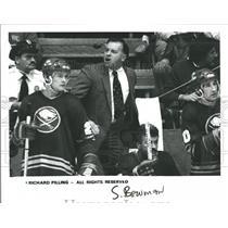 Press Photo Richard Pilling coach Buffalo Sabres - RRQ46453