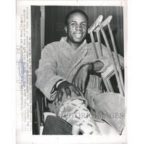 1966 Press Photo Frank Robinson Oriole RF Amer League Knee Operated Johns
