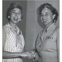 1959 Press Photo Air Force Officer Miss Evelyn Walker, Colonel Underkefler