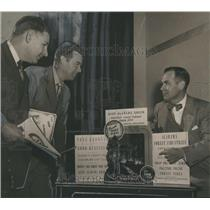 1952 Press Photo Leaders of Jefferson County Green Committee with Signs
