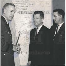 1961 Press Photo General Henry V. Graham, Alabama National Guard, Flood maps