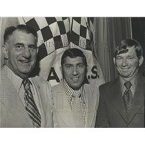 1973 Press Photo Car Racing's Fred Sington, Don Naman, Donnie Allison At Dinner