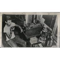 1955 Press Photo Billy Kober Operator Mobile Radio Unit - RRW77063