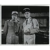 1964 Press Photo Stewart Granger with Carlos Casaravilla in scene from Commando