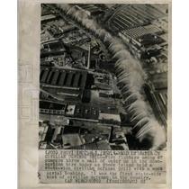 1951 Press Photo Wall water Civilian Defense drill Fire - RRX72395