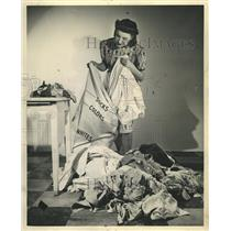 1943 Press Photo Laundry - RRW35983