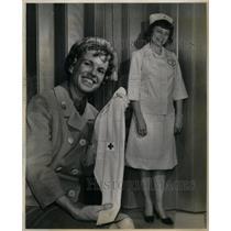1967 Press Photo New Red Cross Uniform Modeled - RRX33561