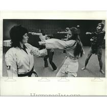 1974 Press Photo Juana Sabatino teaches karate classes at YWCA in Hales Corners