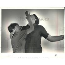 1989 Press Photo Self defense instructor Janelle Block demonstration, Wisconsin