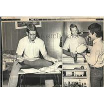 1971 Press Photo Toronto Marlboro Hockey Player Marty Howe with Doug James