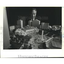 1993 Press Photo Hemmeter poses with his model of the Grand Palais, New Orleans