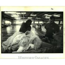 1996 Press Photo Howard Fagan staffer at the Pavillion for dinner preparation
