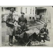 1934 Press Photo Ohio National Guardsmen patrolling Electric Auto Lite Plant