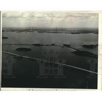 1963 Press Photo Rainy Lake causeway links Canada's Highway 11, Minnesota HWY 11