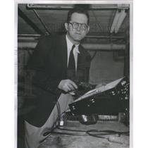 1953 Press Photo H Bomb Horror Arm Jules Halpern Physics University Pennsylvania