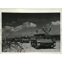 1942 Press Photo Gun Carriers Training to Defend Coastline Of S. Australia