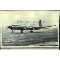 1966 Press Photo A four-engine Britannia turboprop airliner takes flight
