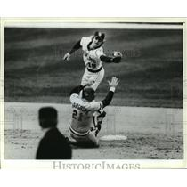 1981 Press Photo Mike Hargrove slides during Milwaukee Brewers Opening Day game