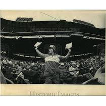 1983 Press Photo Kevin Coats sells programs at Milwaukee Brewers Opening Day