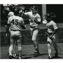 1990 Press Photo Milwaukee Brewers - Greg Brock, Rob Deer, Dave Parker